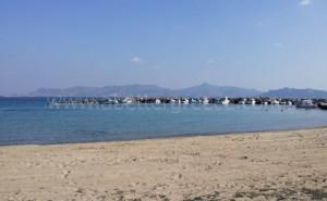 παραλίες στο Αγκίστρι στον Σαρωνικό Κόλπο